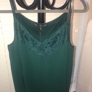 Cute tops! in a very good condition!:)